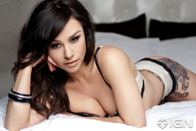 T&V's Vixen of the Week: Danielle Harris (@halloweengal)